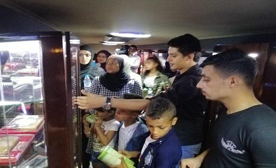ارة مكافحة المخدرات تباشر استخدام المعرض التوعوي المتنقل ( الحافلة )