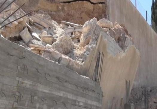 كفرنجة: انهيار 3 جدران وسلاسل حجرية