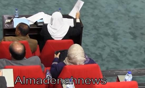 بالفيديو : العتوم تتهم وزارة التربية باتلاف 54 مليون دينار