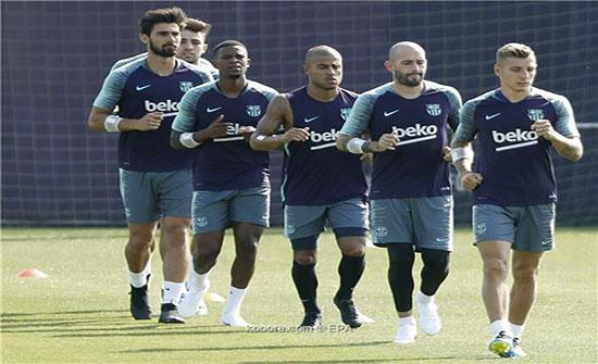 رسميًا.. برشلونة يعلن رحيل لاعب جديد