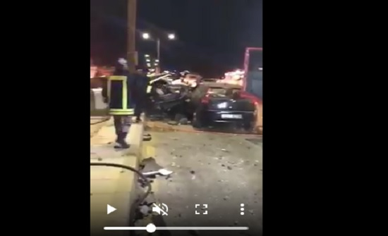 بالفيديو : حادث تصادم مروع بين 3 مركبات في إربد