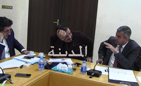 بالفيديو : الوزير صالح الخرابشة يشرح للنواب طريقة الإستمطار