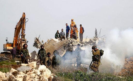 إسرائيل تخطر فلسطينيين بعزمها هدم مساكنهم في الضفة