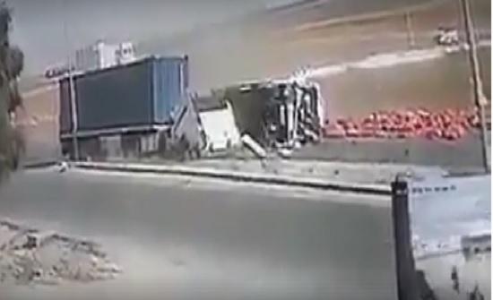 بالفيديو : حادث سير مروع في الكرك