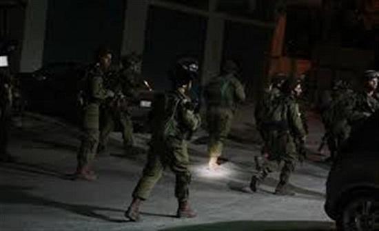 إصابة 20 فلسطينيًا خلال مواجهات مع الإحتلال بنابلس