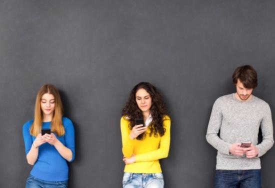 لماذا يرشح لنا فيسبوك أصدقاء لا نعرفهم؟ أداة جديدة تساعد في كشف أسرار يخفيها الموقع الشهير