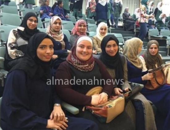 طلاب جامعة الاميرة سمية في زيارة لمجلس النواب .. صور
