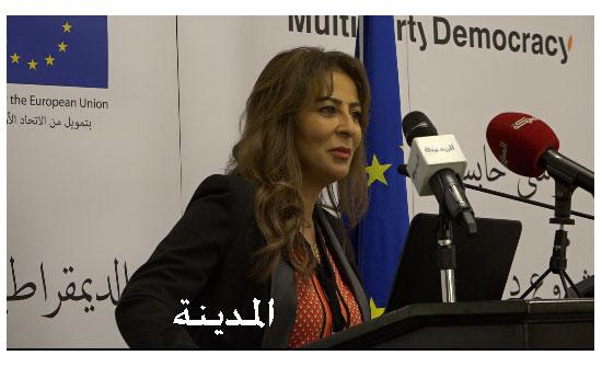 غنيمات: الحكومة ملتزمة بالحوار والانفتاح على مختلف الأطراف