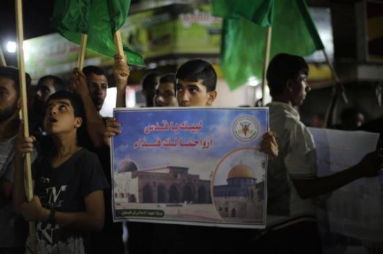حماس والجهاد: نحذر الاحتلال من استمرار عدوانه بالأقصى