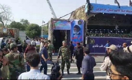 بالفيديو : اللقطات الأولى للهجوم على الاستعراض العسكري في الأهواز