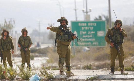 الاحتلال الاسرائيلي يغلق حاجز بيت فوريك شرق مدينة نابلس