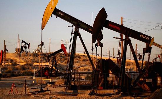 انخفاض أسعار النفط عالميا وبرنت أقل من 60 دولارا