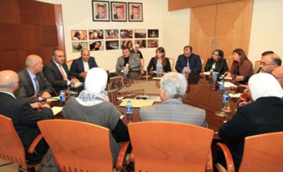 بحث اوجه التعاون بين عمان ونابلس