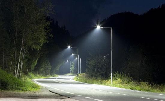 بلدية السرحان تعتزم تركيب 3 آلاف وحدة إنارة موفرة للطاقة