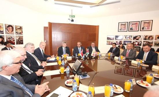 أمين عمان يلتقي رئيس وأعضاء غرفة التجارة التركية