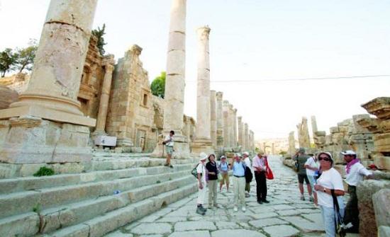 معاملة السائح العربي معاملة المواطن الأردني