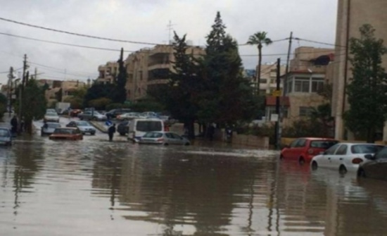 مياه الامطار تداهم 66 منزلا