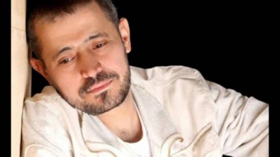 بالفيديو: اشتباكات ورمي زجاجات على مسرح الوسوف