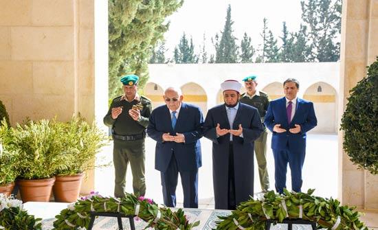 نائب الملك يزور ضريح المغفور له الملك الحسين بن طلال