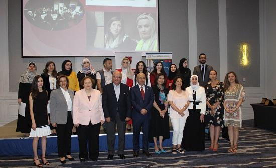 اختتام برنامج مشروع التوجيه السياسي للقيادات النسائية الناشئة