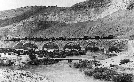 تبني الخط الحديدي الحجازي ليكون المسار الواصل للشبكة الوطنية للسكك الحديدية
