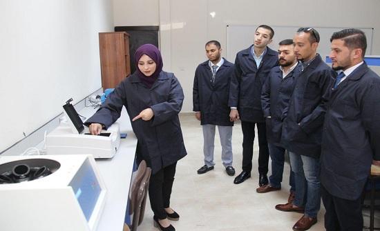 """""""عمان العربية"""" تستحدث (14) مختبراً علمياً في كليتي الهندسة والصيدلة - صور"""