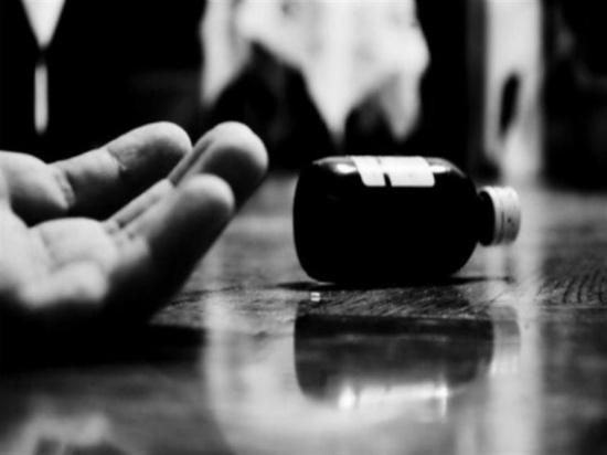 نهاية درامية لعلاقة آثمة.. ابن الـ16 خان صديقه على فراش الزوجية وانتحر