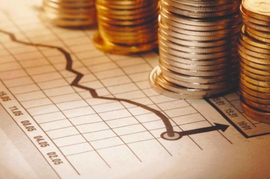 خبراء ماليون يدعون لتوجيه السيولة المصرفية نحو الشركات الصغيرة والمتوسطة