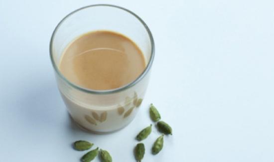 ما هو شاي الكرك ؟ وسر عشق الشباب لهذا المشروب ؟