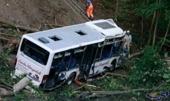 مصرع 44 شخصا بسقوط حافلة في نهر شمال الهند