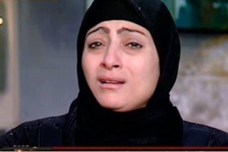 بالفيديو..سيدة تفضح زوجها على الهواء: اغتصب أبناءه الـ3.. وابنته انتحرت