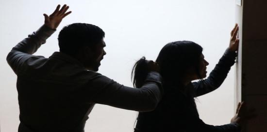 الإمارات.. امرأة تطلب إطلاق سراح زوجها الخليجي بعد أن ضربها بشراسة