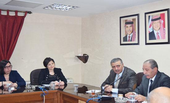 وفد برلماني بلغاري يزور مؤسسة التدريب المهني