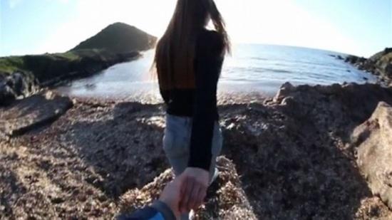 بالفيديو: قادت حبيبها الى مكان رومانسي... إلا أن ردّة فعله كانت عنيفة جداً!