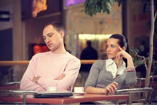 مواصفات المرأة التي يجب على الرجل عدم الارتباط بها.. تعرف عليها