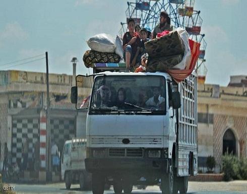"""سوريا.. قصف إدلب """"يهجّر"""" مئات الآلاف"""