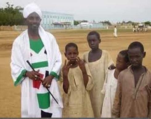 موجة انتقادات لوزير الأوقاف السوداني بعد خطأ في آيات قرآنية