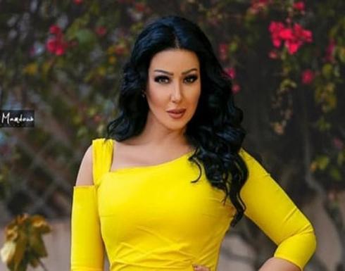 سمية الخشاب تخطف الأنظار من حمام السباحة بعد خطوبة أحمد سعد .. شاهد