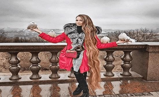 روسيا : رهان سيدة أثناء مراهقتها يغير حياتها.. إليك القصة كاملة - صورة