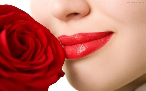 ما هو لون أحمر الشفاه المناسب للون بشرتك؟