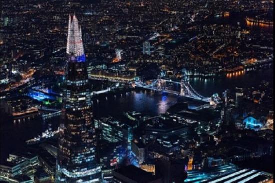 صور: راقية ومتلألئة بالأضواء.. شاهد لندن من السماء