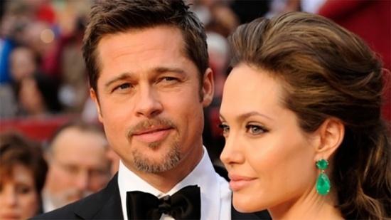 """بعد انفصاله عن أنجلينا جولي – ممثلة شهيرة تكشف سرّ علاقتها ببراد بيت... """"لدينا توأم"""""""