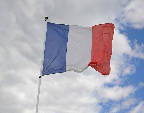 سياسيون فرنسيون يحتجون على أداء المسلمين صلاة الجمعة بالشوارع