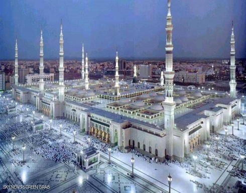 """""""خليفة سات"""" يرصد الحرم النبوي.. بصورة فضائية"""