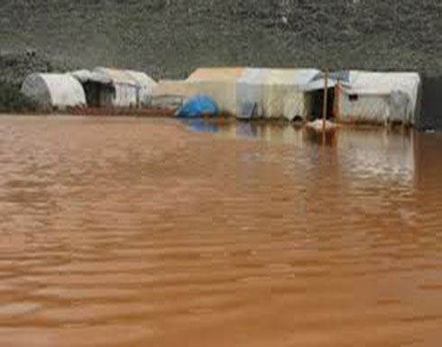 بالفيديو : ريف إدلب.. مياه الأمطار تغمر آلاف الخيام وتزيد معاناة النازحين