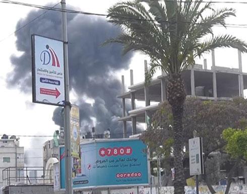 """بالفيديو : مقاتلات إسرائيلية تدمّر مقر قيادة """"الأمن الداخلي"""" بغزة"""