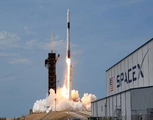 """""""سبيس إكس"""" تطلق 57 قمرا صناعيا للاتصالات"""