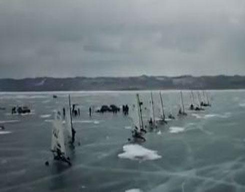 بالفيديو.. فوق سطح أعمق بحيرة متجمدة في العالم اقامة سباق للتزلج في روسيا