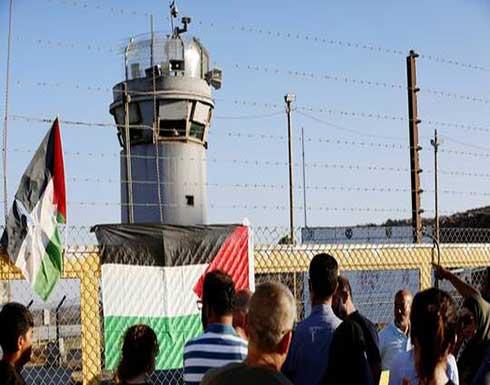 نادي الأسير الفلسطيني: 100 أسير يدخلون إضرابا عن الطعام