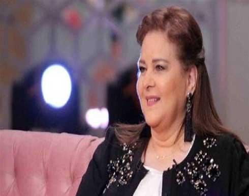 إعلامي ينفي وفاة دلال عبد العزيز